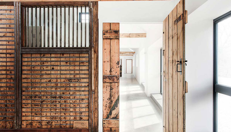 Stable interiors 6